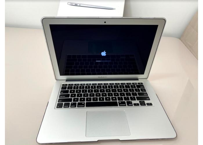 """Combo - MacBook Air 13"""" 2015 i5 1,6Ghz 8GB 128GB + Magic mouse 1° Geração - Seminovo"""