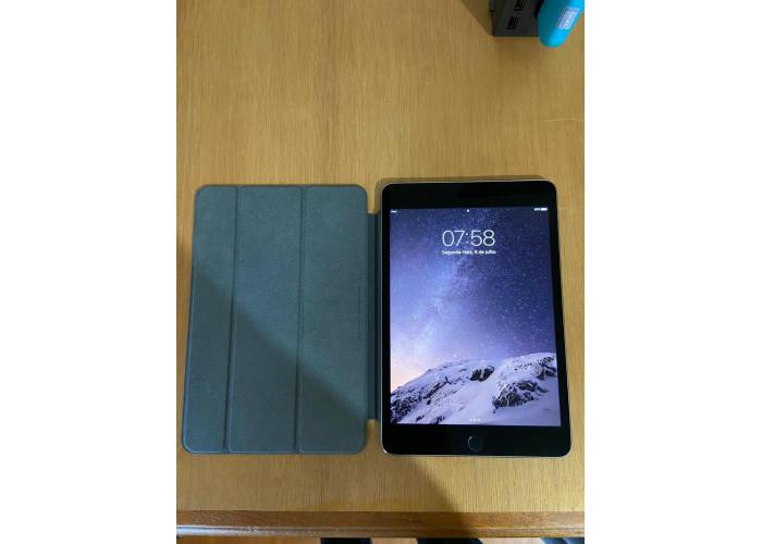 iPad mini 4 128GB Cinza Wifi + Smart Cover . Usado